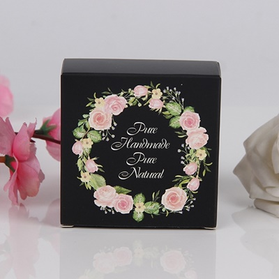 กล่องกระดาษแบบปิดหัวท้ายสีดำลายวงกลมดอกไม้ Handmade 8x8x3.5 cm. 50 ชิ้น : 004985