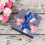 กล่องกระดาษถาดเลื่อนสีเทาลายดอกไม้สีชมพูขาว 13.1x13.1x3.5 cm. 20 ชิ้น : V004768